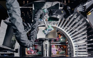 Robots do the job of human pickers at a Berkshire Grey lab. Photographer: Tony Luong for Bloomberg Businessweek